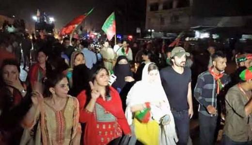 Hamza Ali Abbasi in PTI karachi Rally