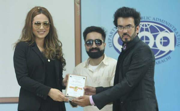 ayyan with karachi university student